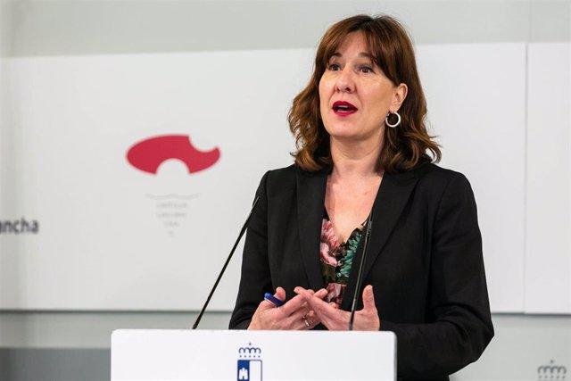 La portavoz de C-LM, Blanca Fernández, en rueda de prensa.