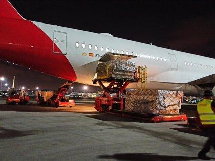 Coronavirus.- El corredor aéreo sanitario completa 20 operaciones con 57 millones de equipos de proyección