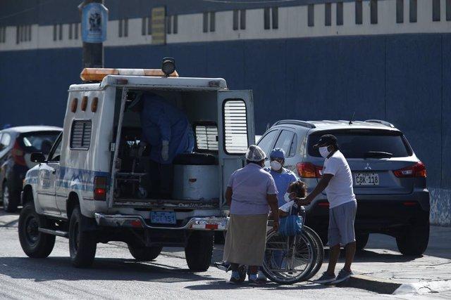 """Coronavirus.- El ministro de Salud de Perú dice que """"está en manos"""" de Vizcarra"""
