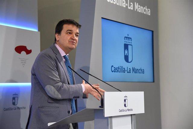 El consejero de Agricultura, Francisco Martínez Arroyo, en rueda de prensa.