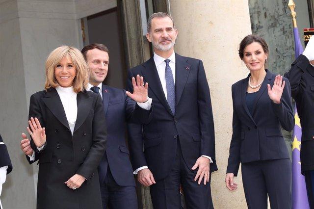 Coronavirus.- La Reina habla con Brigitte Macron sobre la pandemia y la solidari