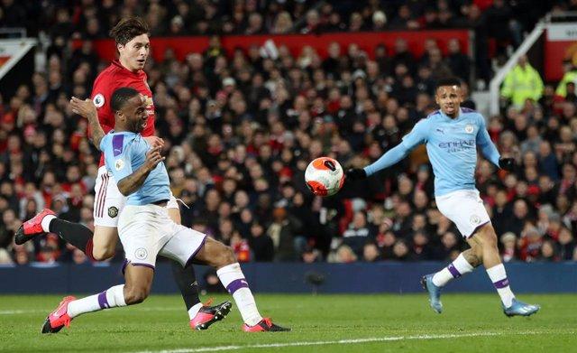 """Fútbol.- Sterling asegura tener """"reservas"""" sobre la vuelta al fútbol si no se ga"""