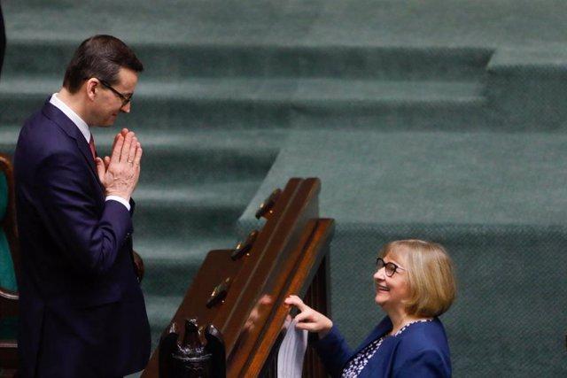 Polonia.-El partido gobernante en Polonia propone ahora una ley para votar por c