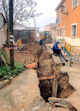 Obras de mejora del suministro en Baños de Cerrato.