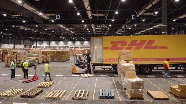 Alemania.- Deutsche Post DHL reduce un 59,7% su beneficio en el primer trimestre