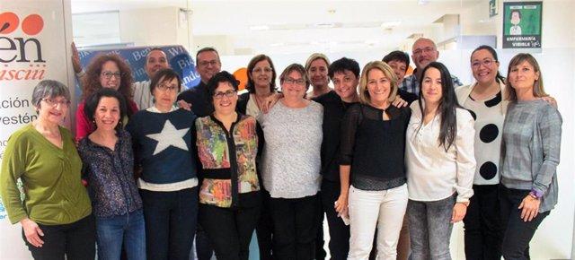 El equipo de Investen-isciii, en su sede del ISCIII junto a Mayte Moreno, su coordinadora