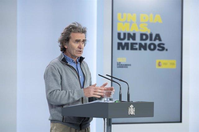El director del Centre de Coordinació d'Emergències del Ministeri de Sanitat, Fernando Simón, compareix en conferència de premsa a Madrid (Espanya), 12 de maig del 2020.