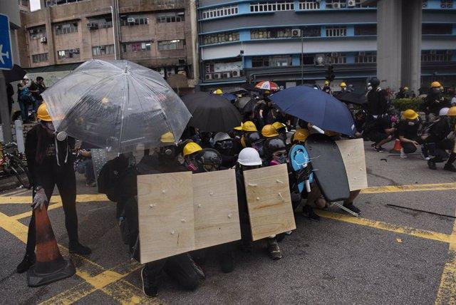 China.- La Policía de Hong Kong admite que su trato a los periodistas durante la