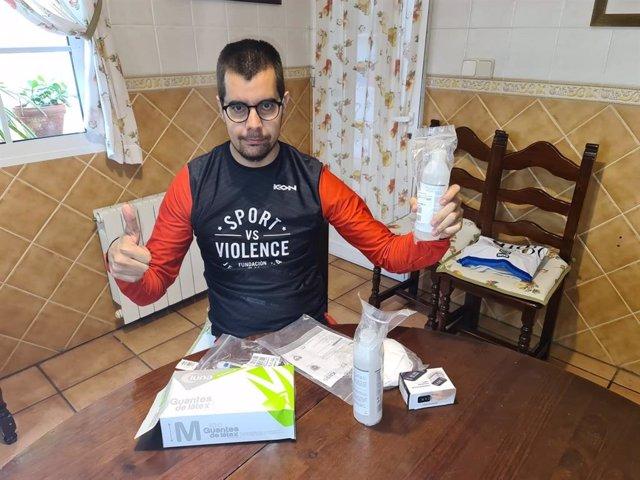 JJ.OO.- El CPE envía a sus deportistas del Plan ADOP un kit de material sanitari