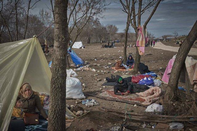 """Coronavirus.- La UE espera un aumento de demandas de asilo """"a medio plazo"""" tras"""