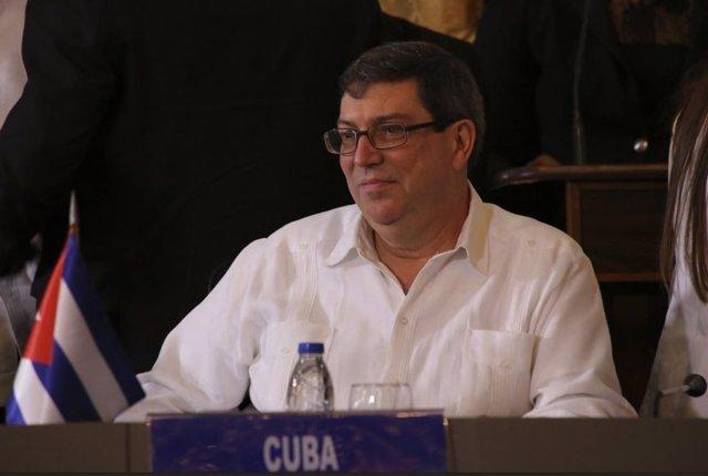 """El ministro de Relaciones Exteriores de Cuba, Bruno Rodríguez, ha exigido que cese el intervencionismo contra Venezuela. """"Saquen las manos de Venezuela todos aquellos que hacen injerencia, intervención y proclaman propósitos cínicos o hipócritas"""", ha i"""