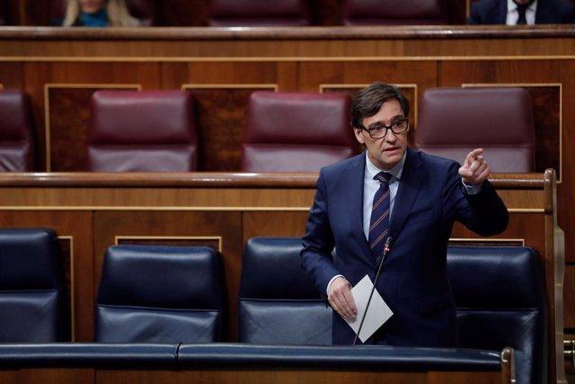 El ministro de Sanidad, Salvador Illa, interviene en la sesión de control al Ejecutivo celebrada este miércoles en el Congreso