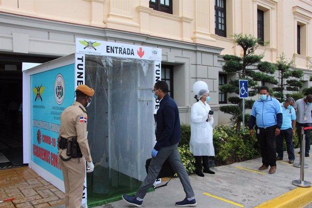 Coronavirus.- El presidente dominicano solicita al Congreso una prórroga del est