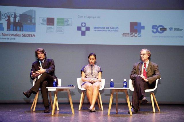 El exdirector de Coordinación Sociosanitaria de la Comunidad de Madrid, Carlos Mur de Víu, durante su intervención en un foro sanitario.