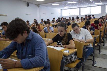 Simón afirma que el uso de mascarillas en las aulas dependerá de si se puede garantizar la distancia entre estudiantes