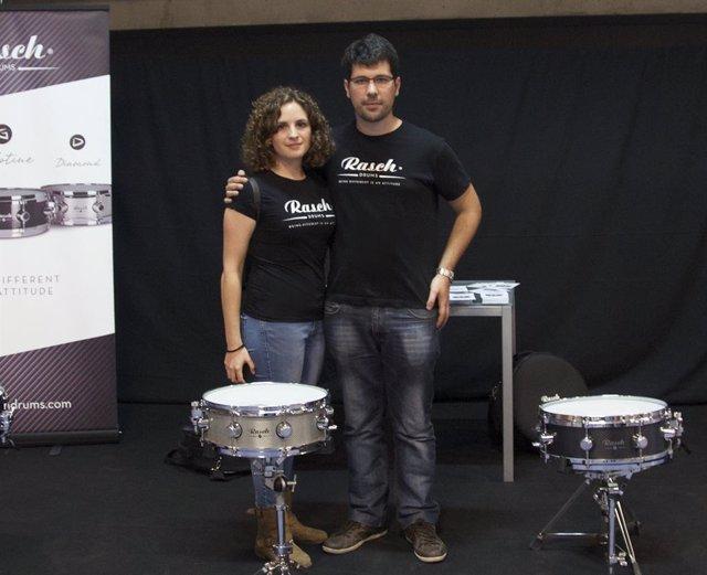 Patricia Clemente y Manuel Ibáñez, ingenieros valencianos formados en la CEU UCH y creadores de Rasch Drums