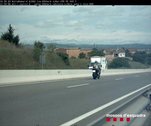 Denunciat un conductor per circular a 208 km/hora a Manresa