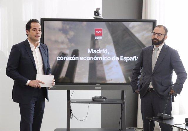 Imagen de recurso del vicepresidente de la Comunidad de Madrid, Ignacio Aguado, y el consejero de Economía, Manuel Giménez.