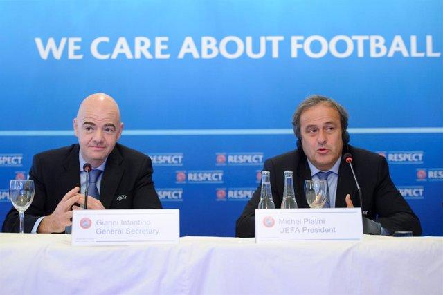 """Fútbol.- Platini cree que Infantino """"no tiene la ética"""" para quitarle a Catar el"""