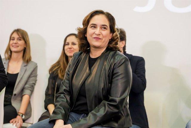 L'alcaldessa de Barcelona, Ada Colau, durant la trobada confederal d'Unides Podem celebrat en la Fundació Diari Madrid, a 22 de febrer de 2020.