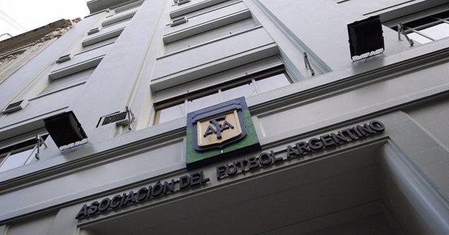 Fachada de la Asociación de Fútbol Argentino (AFA)