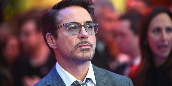 2. Robert Downey Jr (Iron Man) se pasa a DC comics