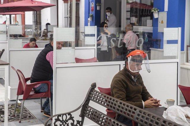 Coronavirus.- Bruselas pide pasar gradualmente de planes de alerta a medidas men