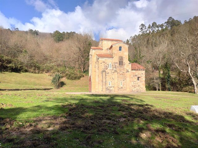 Entorno del monumento Prerrománico de San Miguel de Lillo, en Oviedo,.