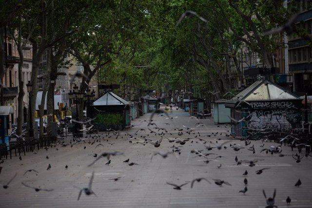La Rambla de Barcelona en confinament per Covid-19. A Barcelona, Catalunya, (Espanya), a 23 d'abril de 2020.