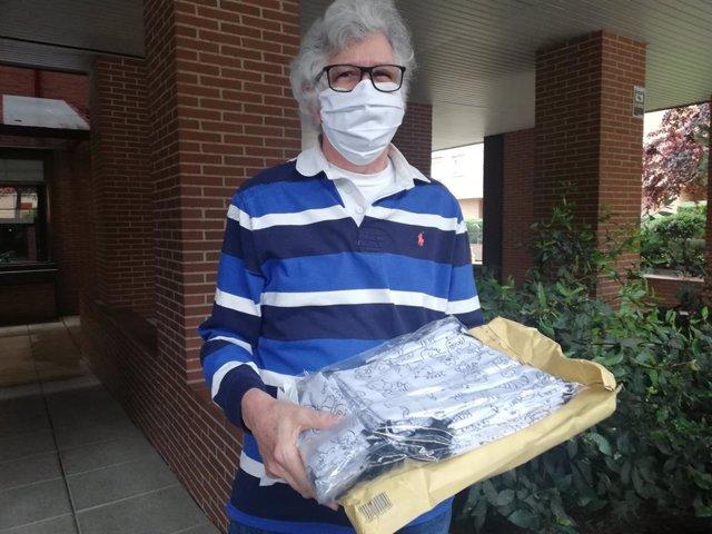 Coronavirus.- El embajador de Guaidó en España envía mascarillas a los pensionis
