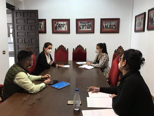 Reunión en el Ayuntamiento de Coria