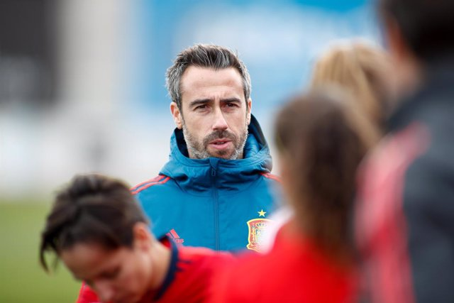 Fútbol.- Mari Paz y Nahikari ven a España ganando la Eurocopa