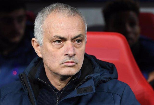 El entrenador del Tottenham José Mourinho