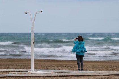 """""""Mujeres al timón en casa. Navegando la tormenta del coronavirus"""". Por ClosinGap"""