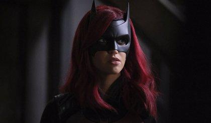 Batwoman cierra su temporada 1 con un giro radical sobre Bruce Wayne