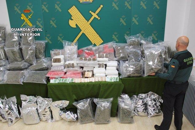 Material intervenido en el marco de la operación Garlicor con el transporte terrestre de grandes cantidades de hachís desde Córdoba hasta Holanda en cajas de ajo.