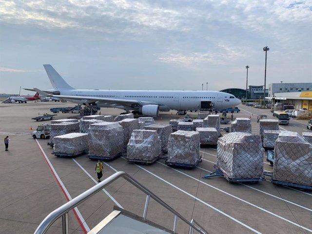 Llegada de un avión a Zaragoza