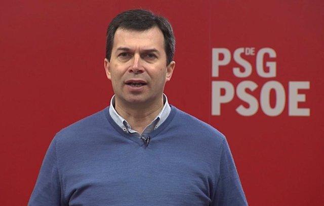 El secretario xeral del PSdeG, Gonzalo Caballero, en la sede de la formación