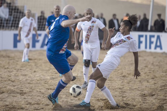 Fútbol.- La FIFA organizará un partido benéfico para recaudar fondos contra el c