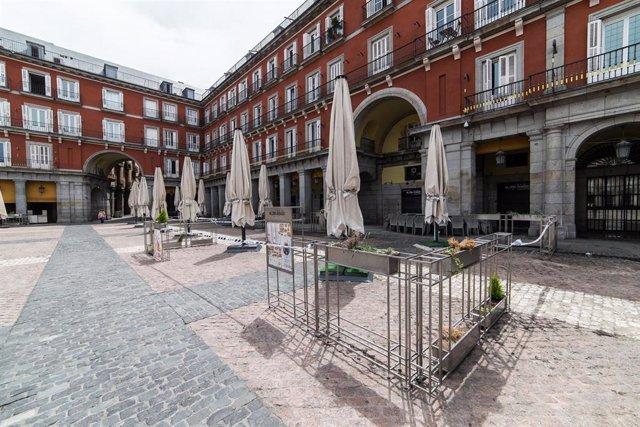 Terraza carrada del local En Copa de Balón de la Plaza Mayor de la capital