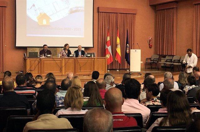 Imagen de archivo de una jornada sobre los planes provinciales de Diputación de Palencia.