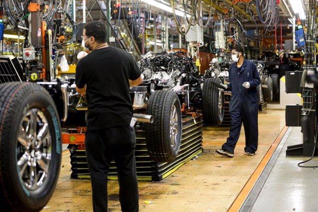 Economía/Motor.- Ford reanuda sus operaciones en Estados Unidos tras el parón de