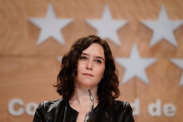 La presidenta de la Comunidad de Madrid, Isabel Díaz Ayuso, comparece en rueda de prensa.