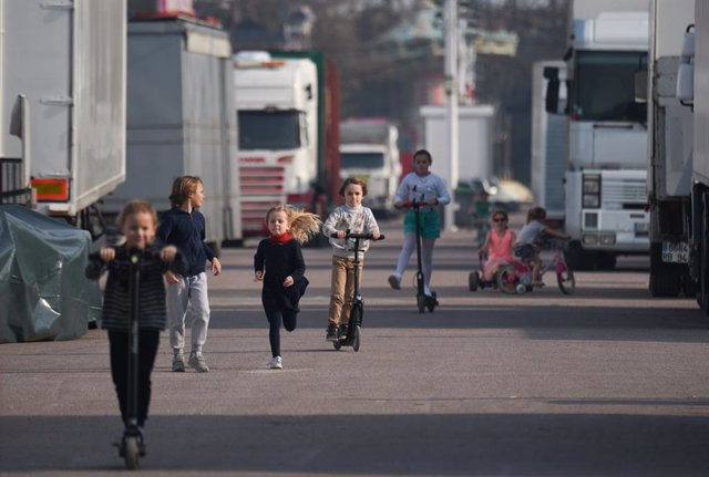 Coronavirus.- Francia informa de 144 casos en niños de la enfermedad de Kawasaki