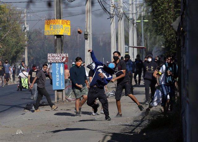 Protestas en El Bosque, Santaigo de Chile, por la falta de ayudas ante la crisis del coronavirus