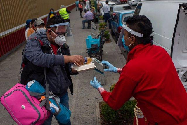 Coronavirus.- México supera el umbral de los 50.000 casos de coronavirus al regi