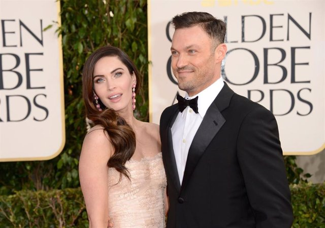 Actress Megan Fox (L) And Actor Brian Austin Green Arrive At The 70Th Annual Golden Globe Awards