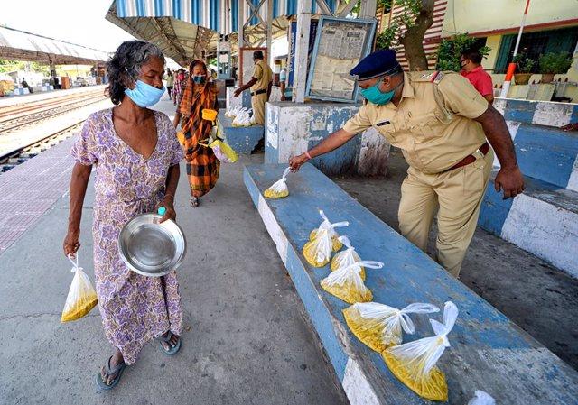 Coronavirus.- India supera los 100.000 casos por coronavirus tras registrar unos