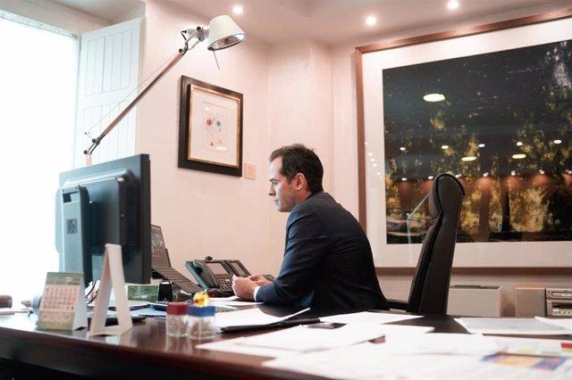El vicepresidente de la Comunidad de Madrid, Ignacio Aguado, durante una reunión telemática.