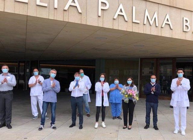 Despedida de los últimos pacientes hospitalizados por COVID-19 en Meliá Palma Bay.